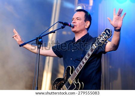 BARCELONA - MAY 30: The Wedding Present (band) performs at Arc de Triomf for free on May 30, 2012 in Barcelona, Spain.