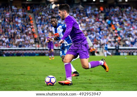 BARCELONA - SEP 18: Isco Alarcon plays at the La Liga match between RCD Espanyol and Real Madrid CF at RCDE Stadium on September 18, 2016 in Barcelona, Spain.