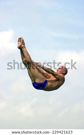 BARCELONA, SPAIN-JULY 15, 2003: british diver Mark Shipman in action during the final of the Swimming World Championship, in Barcelona.