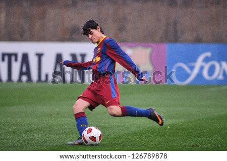 BARCELONA, SPAIN - MAR 12: Roberto Alarcon plays with F.C Barcelona youth team against L'Hospitalet on March 12, 2011 in Barcelona, Spain.