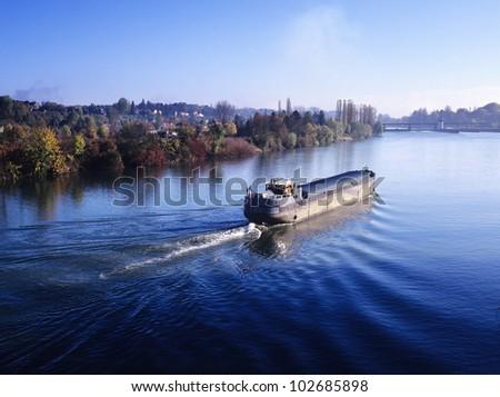 barge river river seine ile-de-france seine-et-marne france europe - stock photo