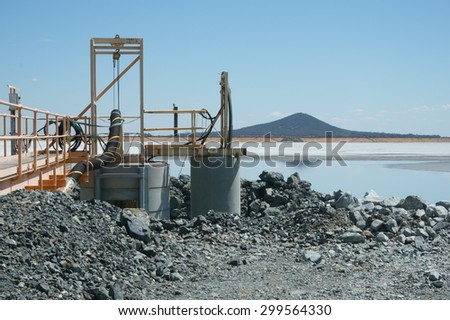 Barrick Gold Mines West Wyalong NSW processing plant extraction lake - stock photo