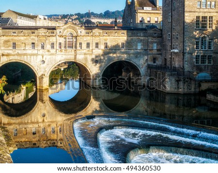 BATH, SOMERSET/UK - OCTOBER 02 : View of Pulteney Bridge and Weir in Bath Somerset on October 02, 2016
