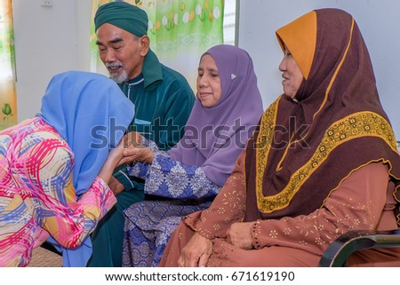 batu pahat single asian girls 7,557 malaysian family stock photos batu pahat, malaysia 2016 a malaysian muslim single mother with her children at home in kuala lumpur.