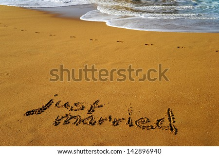 Beach with the words just married / just married - stock photo