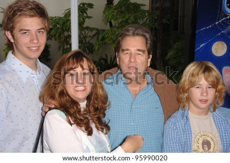 "BEAU BRIDGES & family at the Los Angeles premiere of his new movie ""Charlotte's Web"" at the Arclight Theatre, Hollywood. December 10, 2006  Los Angeles, CA Picture: Paul Smith / Featureflash"