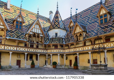 Beaune bourgogne city Hotel Dieu colorful roofs, France