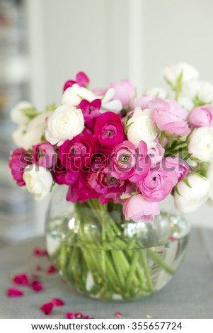 beautiful bouquet of pink and whitel ranunculus flowers