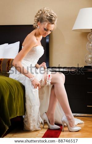 фотографии девушки с подвязкой