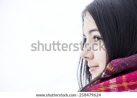 Beautiful brunette hair girl i winter clothes, girl warm in winter.