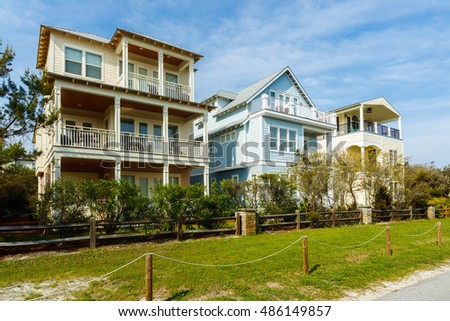 Beautiful coastal homes of the Florida panhandle.
