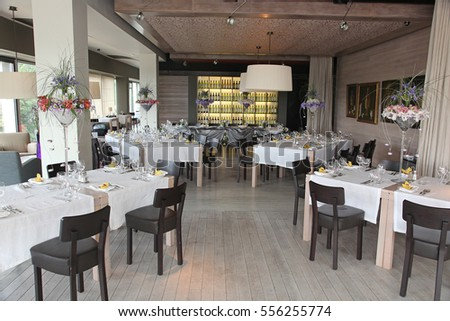 beautiful flowers in the decoration of the restaurant