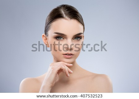 Teen girl nude with panties down