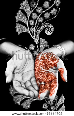 Beautiful henna tattoo in a bride's hand 02 - body art