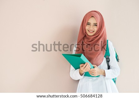 campus single muslim girls Other girls testified to the i have only seen a single post from him that might be read as actually grants muslim males permission to rape girls and.