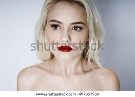 Albino women topless — photo 15