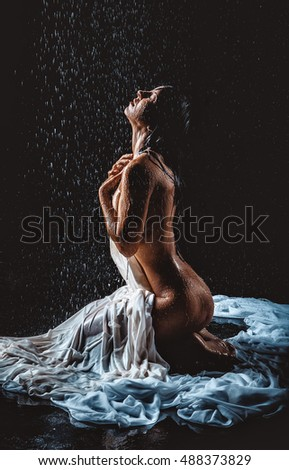 woman-in-the-rain-nude-urvashi-dholakia-fake-nude-photo