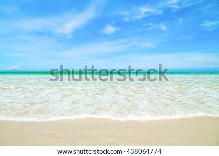 Beautiful sky with sea on the peaceful beach for relax