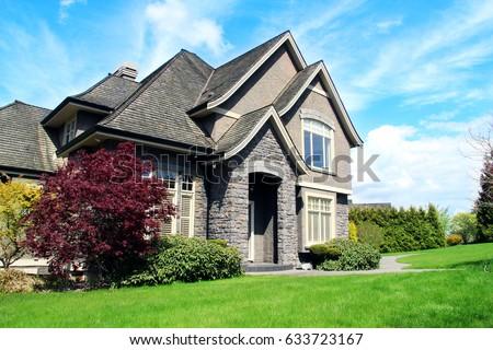 beautiful upscale house in a canadian neighborhood
