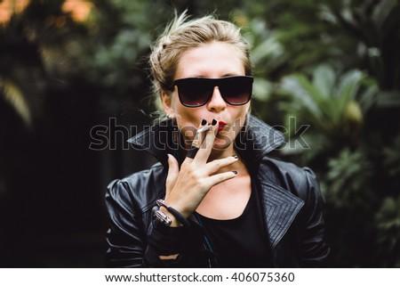 Porn chicks smoking black cigarettes piss pussy