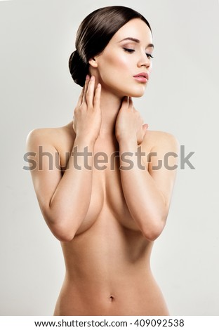 Images Of Girls Showing Their Nude Breast
