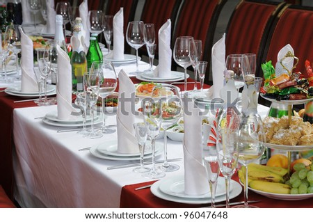 Beautifully served table for a cheerful banquet.