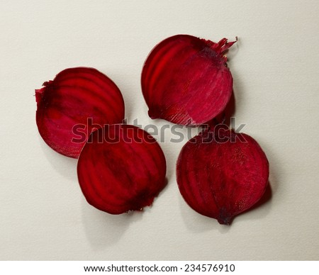 Beetroot slices on kitchen table