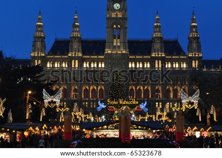 beginning of Christmas time market in Vienna