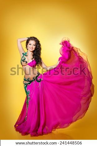 Indian Girl Sexy Dance