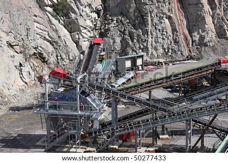 Belt conveyors and mining equipment in a quarry