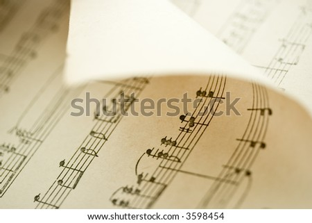 Bended music sheet, Shallow DoF
