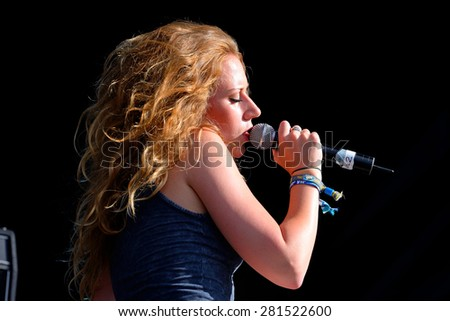 BENICASSIM, SPAIN - JULY 20: Jessica Sweetman performs at FIB Festival on July 20, 2014 in Benicassim, Spain.
