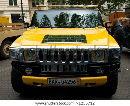 hummer h2 stock images royalty free images vectors shutterstock. Black Bedroom Furniture Sets. Home Design Ideas