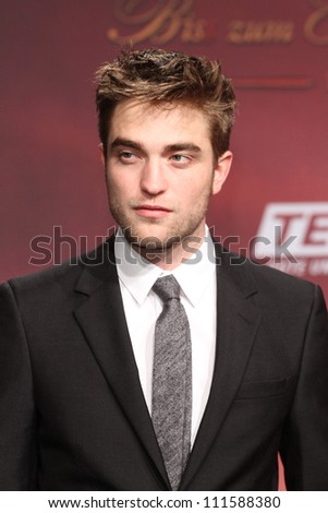 BERLIN - NOVEMBER 18: Robert Pattinson attends the Germany Premiere of 'The Twilight Saga: Breaking Dawn Part 1 on November 18, 2011 in Berlin, Germany.
