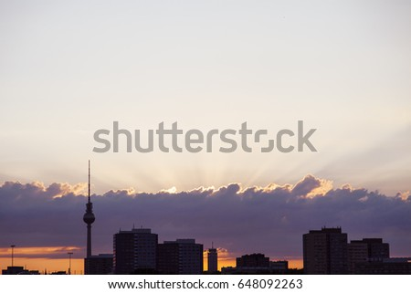 Berlin skyline with the Fernsehturm at dusk.