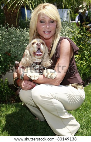 BEVERLY HILLS - JUN 14: Pamela Bach at Reality Cares presents 'The Dogs Next Door', a Hollywood Celebrity Benefit at a private estate in Beverly Hills, California on June 14, 2008