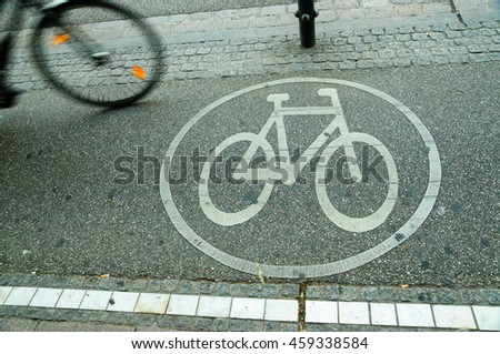 Bicycle and bicycle