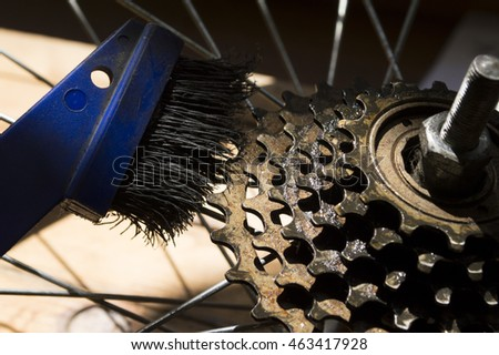 bicycle cleaning cassette from dirt