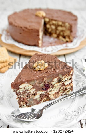 Biscuit and cocoa cake