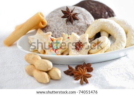 Biscuits and gingerbread - stock photo