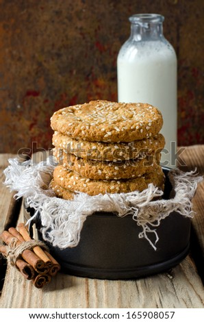 Biscuits with sesame seeds