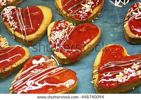 biscuits with strawberry cream and candy bits