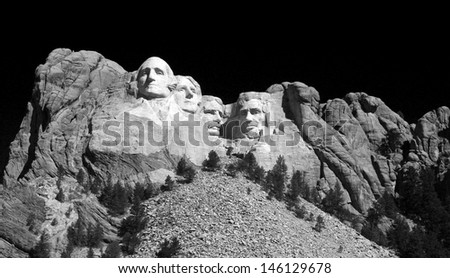 Black and white image of Mount Rushmore