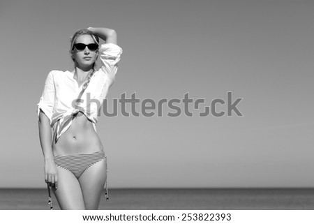 Black white portrait of a sexy young woman