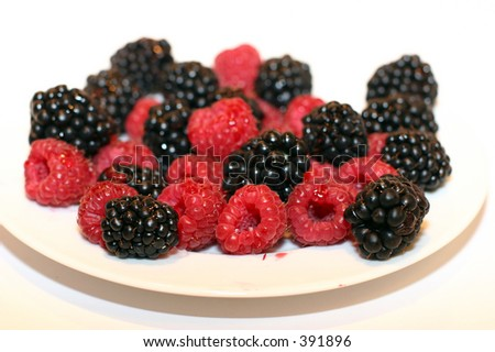 blackberry and raspberry plate