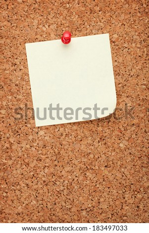 Blank note on cork wood notice board with copy space