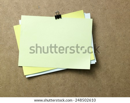 blank note on the notice board - stock photo