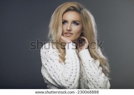 Blond beauty wear sweatshirt
