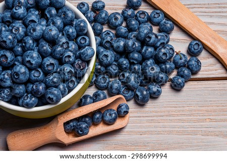blueberries in bowl and scoop