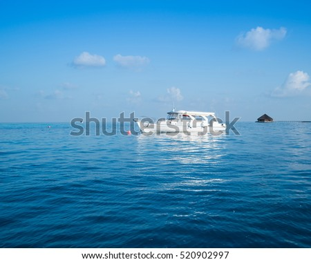 Boat in the middle of ocean